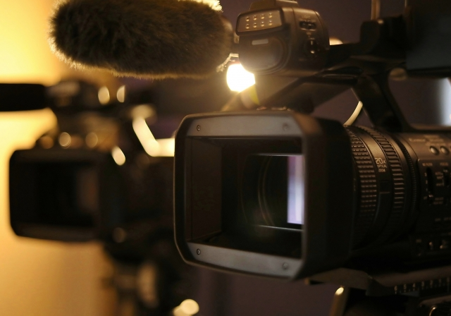 ビデオカメラ2台